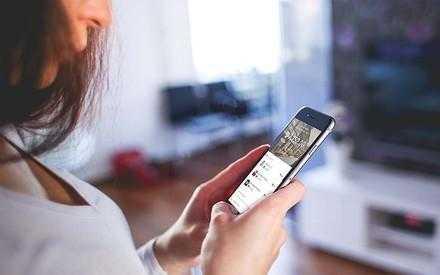 Технология бесконтактной оплаты, платежи через телефон или смарт-часы
